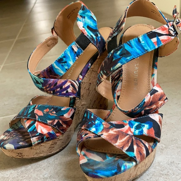 Tropical print wedge heels